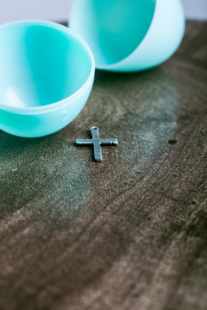 Easter Cross in the Egg